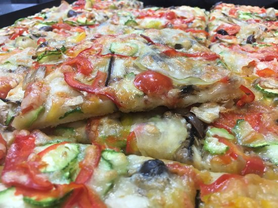 Lavinio Lido di Enea, อิตาลี: Pizza vegetariana! :)