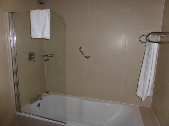 Salthill Hotel: Bathroom photo 2