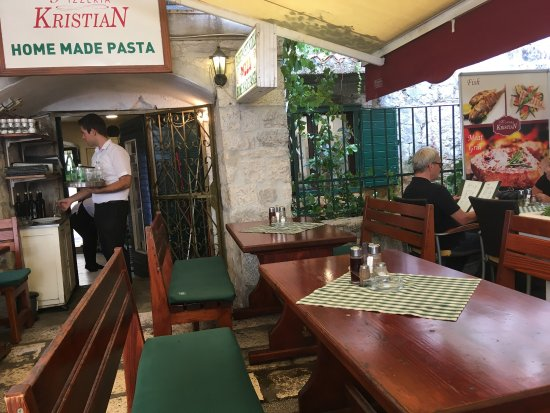 Kristian Pizza : Good food in Trogir old town!