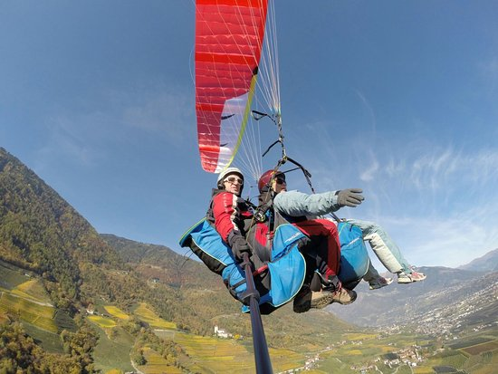 San Martino in Passiria, Italy: FlyMeran  Tandem Paragliding Fly with us !!