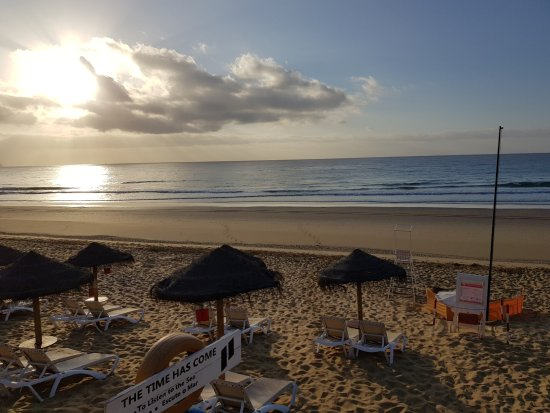 Pestana Porto Santo All Inclusive: Early morning on the beach