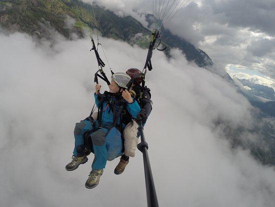 San Martino in Passiria, Italy: über die Wolken muss die Freiheit wohl Grenzenlos sein .....