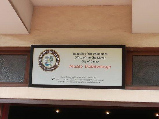 Davao City, Filippijnen: 入口の上の看板です。