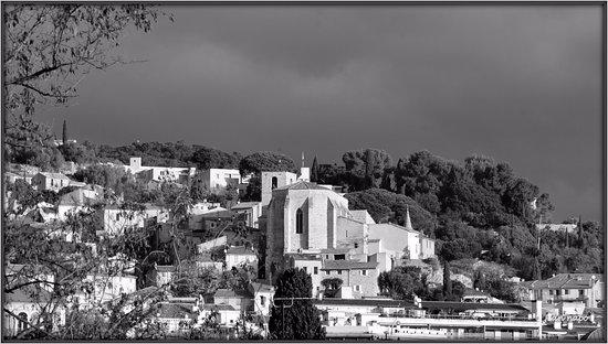 Îles d'Hyères, Francja: La Collégiale St.Paul en noir & blanc