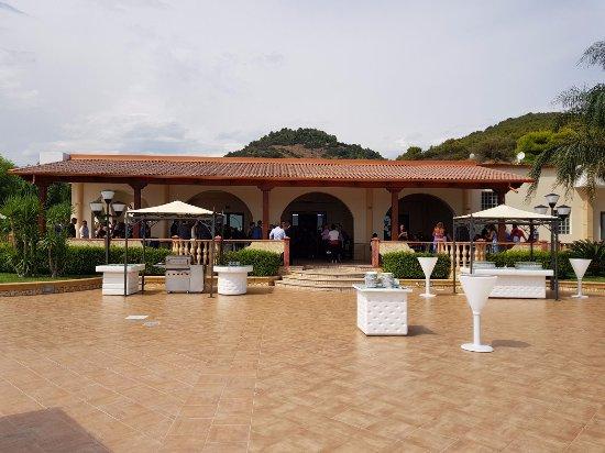 Visuale terrazza panoramica e entrata. - Picture of Gran Paradiso ...