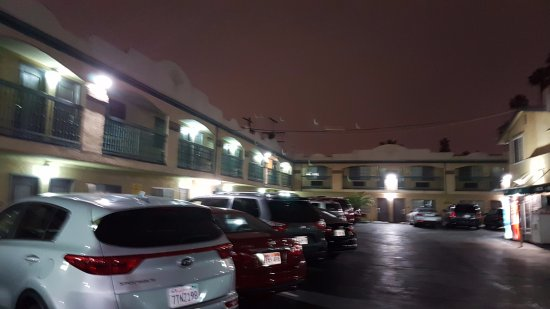 Super 8 Los Angeles Airport Picture