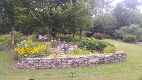 Stone Hill Inn: back yard