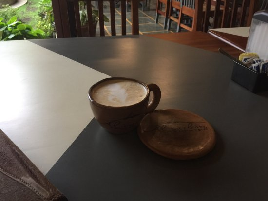 Al Carbon: Beautiful place to have a cup of coffee.
