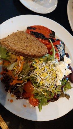 Nah am Wasser gebaut's salad (as a main dish).