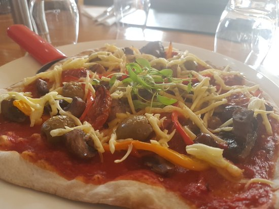 Bingham, UK: Vegan pizza available on Thursdays
