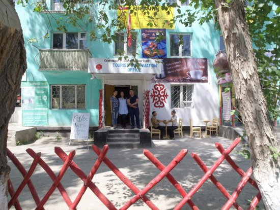 Naryn, Kirgisistan: Our Office in Lenin Street waits to serve you with your hiking and travelling whishes