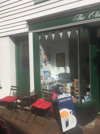 Bexhill-on-Sea, UK : Visit the old town tearoom for delicious homemade scones and cakes. Light lunches served mon -sa