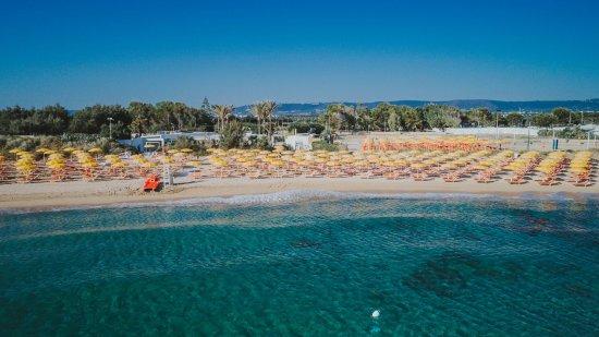 Monopoli, Taliansko: Sabbiadoro Lido visto dal mare