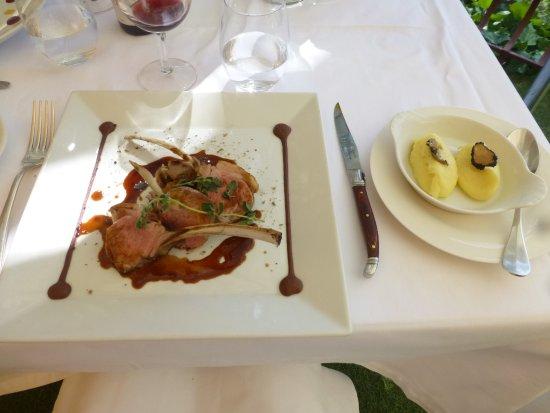 Auberge de la Madone : Carré d'agneau en deux cuissons, purée aux pépites de truffe