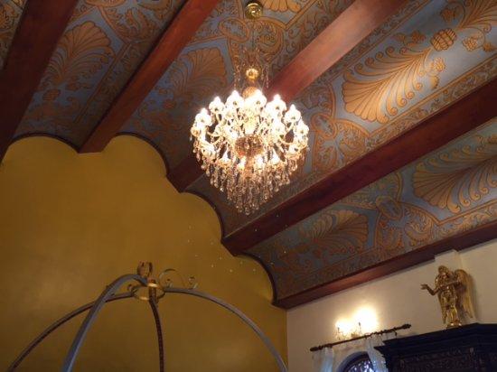 Ginger House : One of the original antique ceilings in one of the bedrooms.