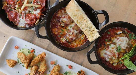 Maria 39 s italian kitchen los angeles 23331 mulholland dr for Maria s italian kitchen menu
