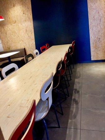 picture of quick hamburger restaurant poitiers tripadvisor. Black Bedroom Furniture Sets. Home Design Ideas