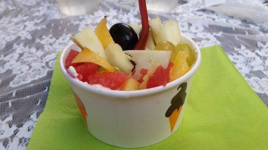 Porca vacca : yogurt locale con frutta
