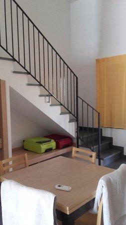 soggiorno con divano letto - Foto di VOI Bravo Baia di Tindari ...