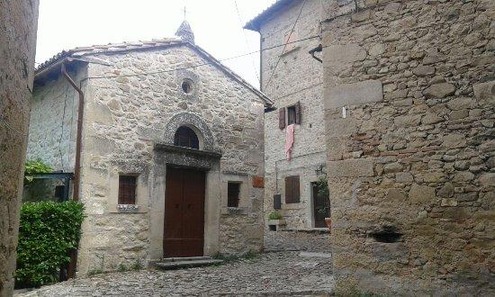 Grizzana Morandi, Italien: La chiesetta del borgo