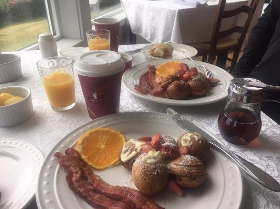 Agate Cove Inn Hotel: Breakfast was good, but not much variety and not very plentiful.