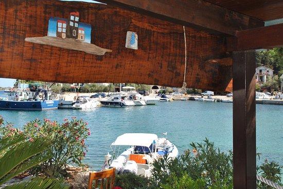 Sali, Kroasia: Terrasse unten