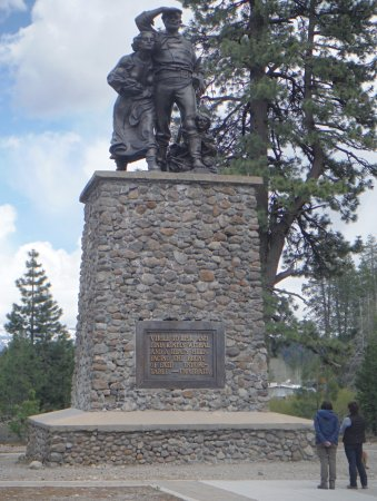 Donner Memorial State Park and Emigrant Trail Museum: Donner Memorial - short distance from the visitor's centre. Pedestal is the depth of snow that y
