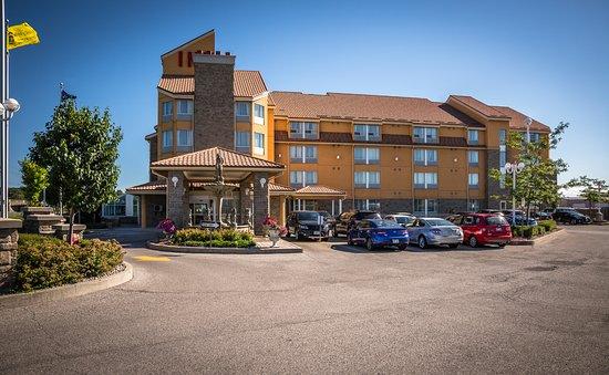 Фотография Monte Carlo Inn Barrie Suites