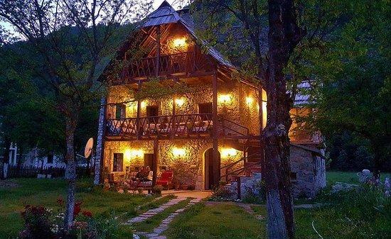 Guesthouse Kol Gjoni