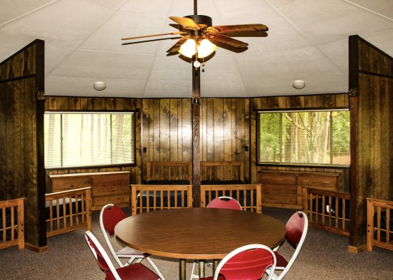 Pendleton, SC: Group Cabin