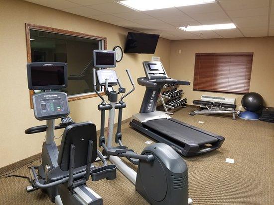Lewisburg, WV: Exercise room offers MODERN equipment!