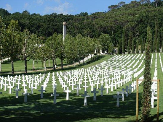 Tavarnuzze, Italia: Floreence American Cemetery & Memorial, June 2017