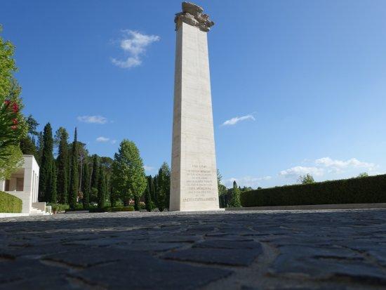 Tavarnuzze, Italia: Florence American Cemetery & Memorial, June 2017