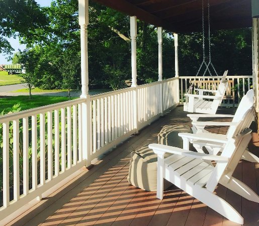 Shinn Estate Farmhouse: Front porch patio - perfect for sipping coffee or tasting wine