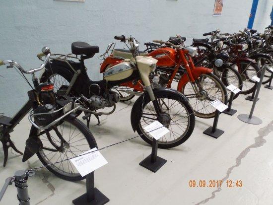 Danmarks Tekniske Museum: Nogle eksemplarer fra samlingen: Harley Davidson, Ford T og en Velo,Puch m.fl!