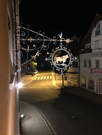 Ringhotel Zum Goldenen Ochsen: To the left