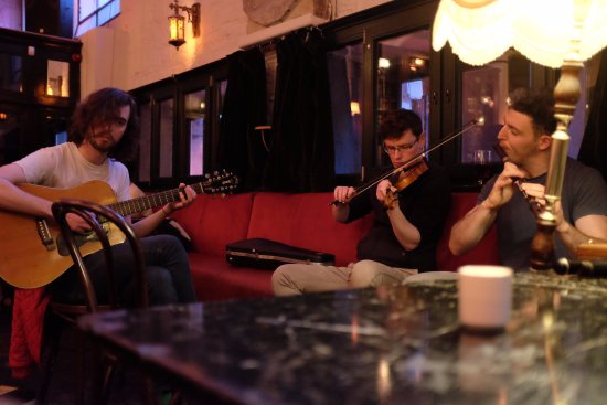 Live traditional Irish music 7 nights a week - Picture of