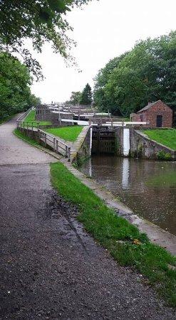 Bingley Five Rise Locks: .bottom view