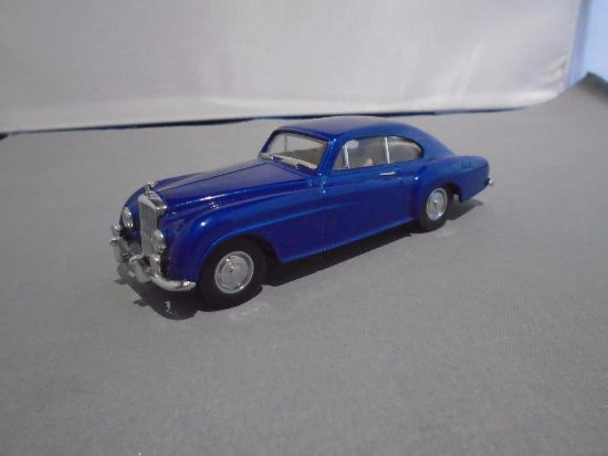 Montgomery, UK: A majestic and ground-breaking Bentley R Type Continental