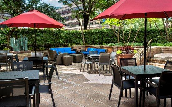 Бетесда, Мэриленд: Outdoor Patio/Terrace