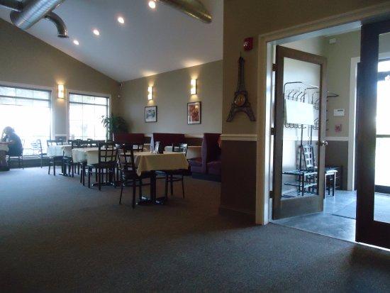 Clock Tower Pub & Grill: Room