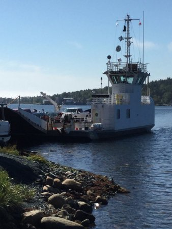 LaHave, Canada: Ferry arriving from east side