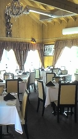 Middletown, CT: main dining room