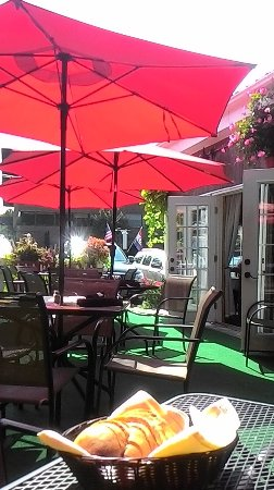 Middletown, CT: outside patio