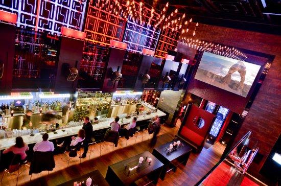 Babylon, Estado de Nueva York: Enjoy Happy Hour at the bar Monday - Thursday 5-7pm, Friday 4-7pm and Sunday  4-9pm