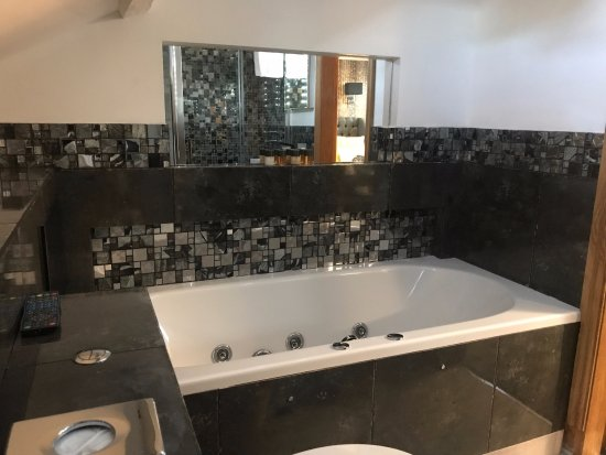 Hotel With Jacuzzi Bath In Room Yorkshire
