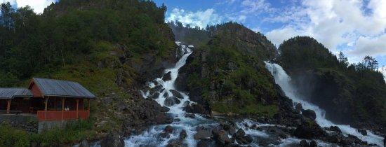 Skare, Noruega: Latefossen