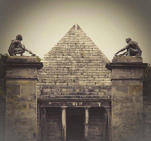 Aberlady, UK: Gosford Park Mausoleum