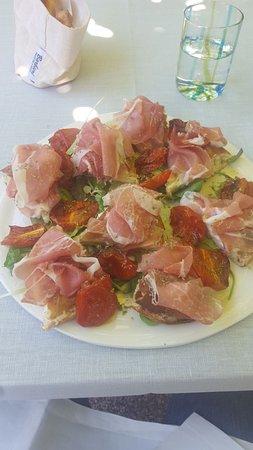 Pasticceria Gelateria Bedussi: Pizza burrata Sauris e Pomodori caramellati