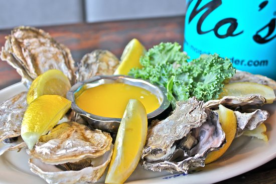 Mo's West: Baked Oysters
